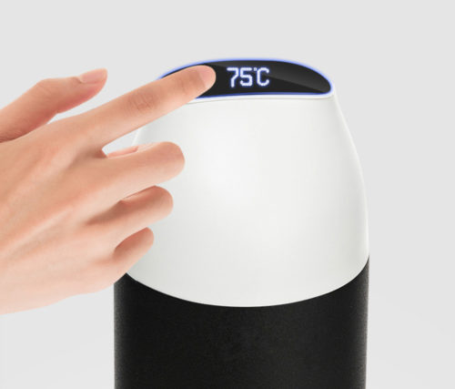 smart water bottle with temperature display function